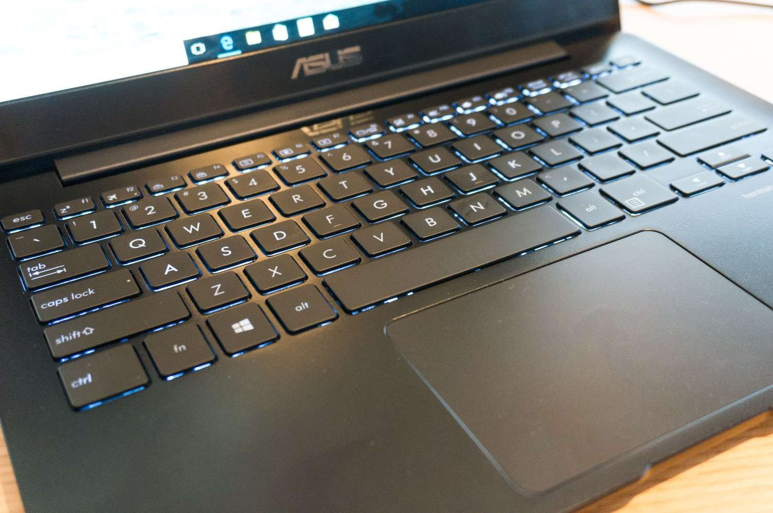 Asus Zenbook 13 Ux331ual Hands On Review Release Date Prices